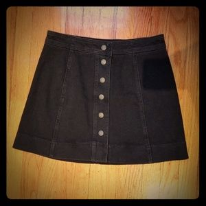 Madewell- Black denim mini skirt NWT!!